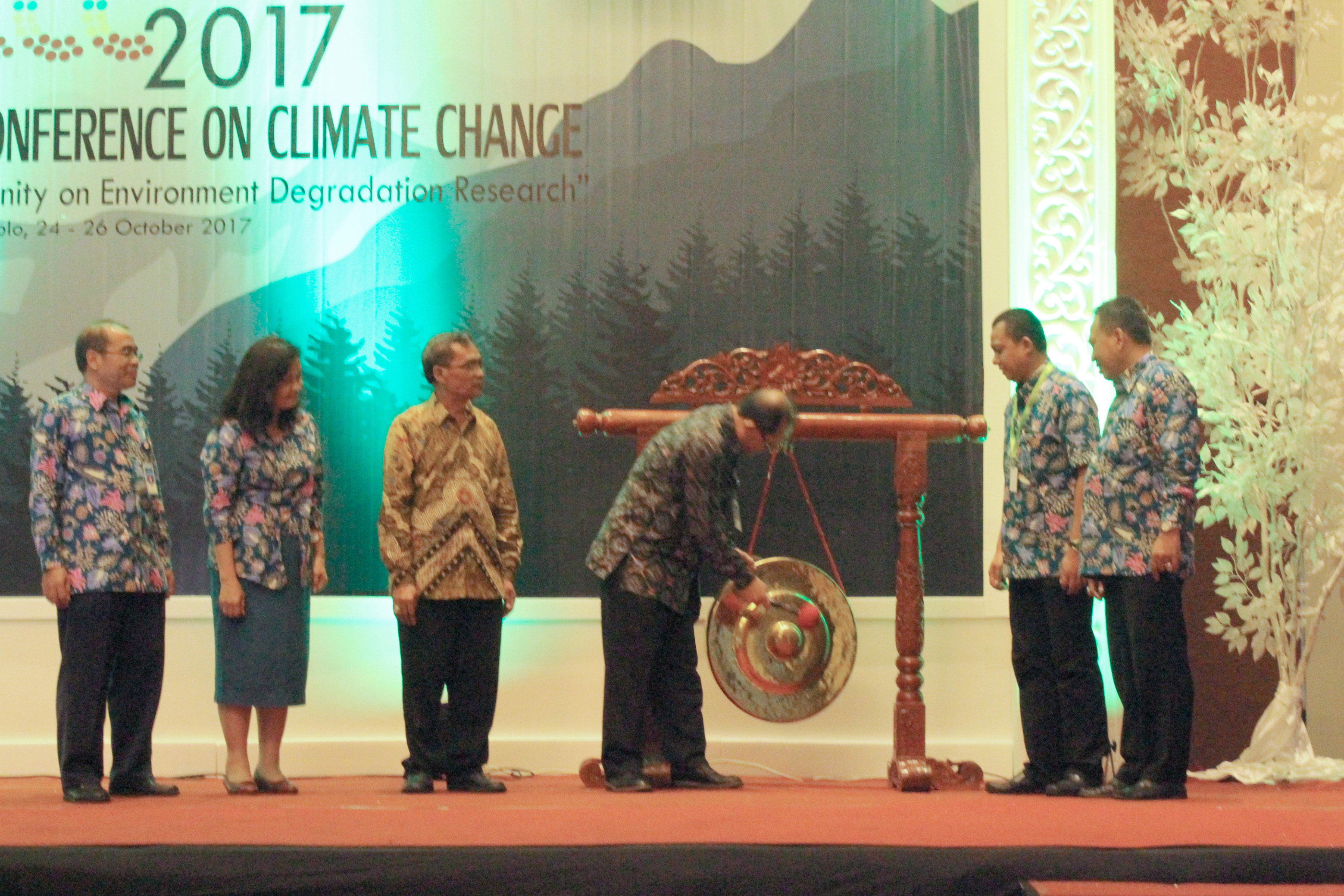 Symbolic opening of ICCC 2017 by Vice Rector, UNS (Prof. Dr. Sutarno)