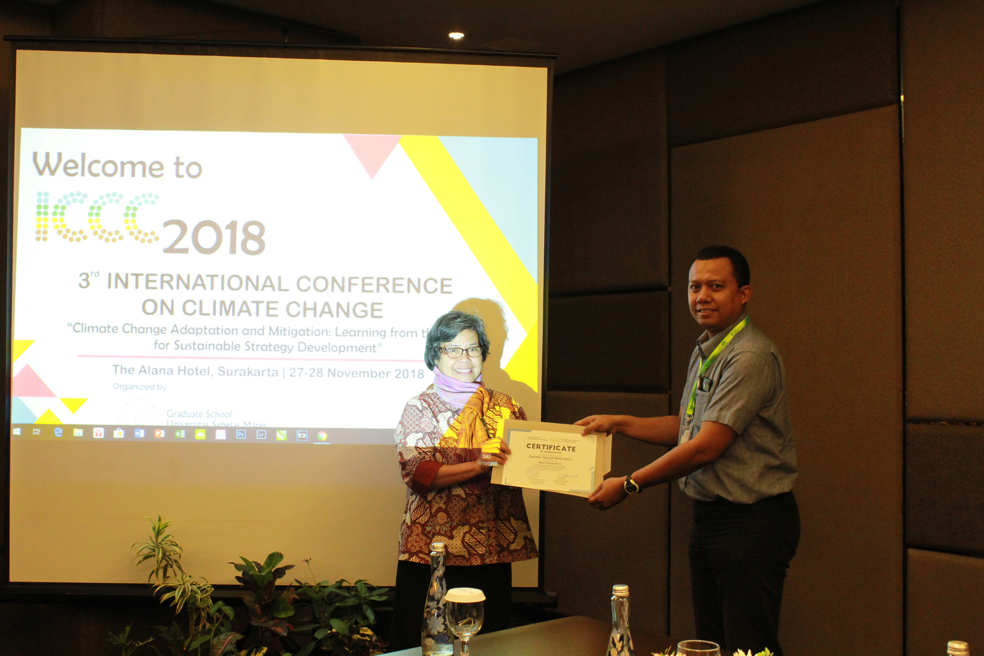 Best Presenter Award Room 2 (Dr. Gabriel Andari Kristanto)